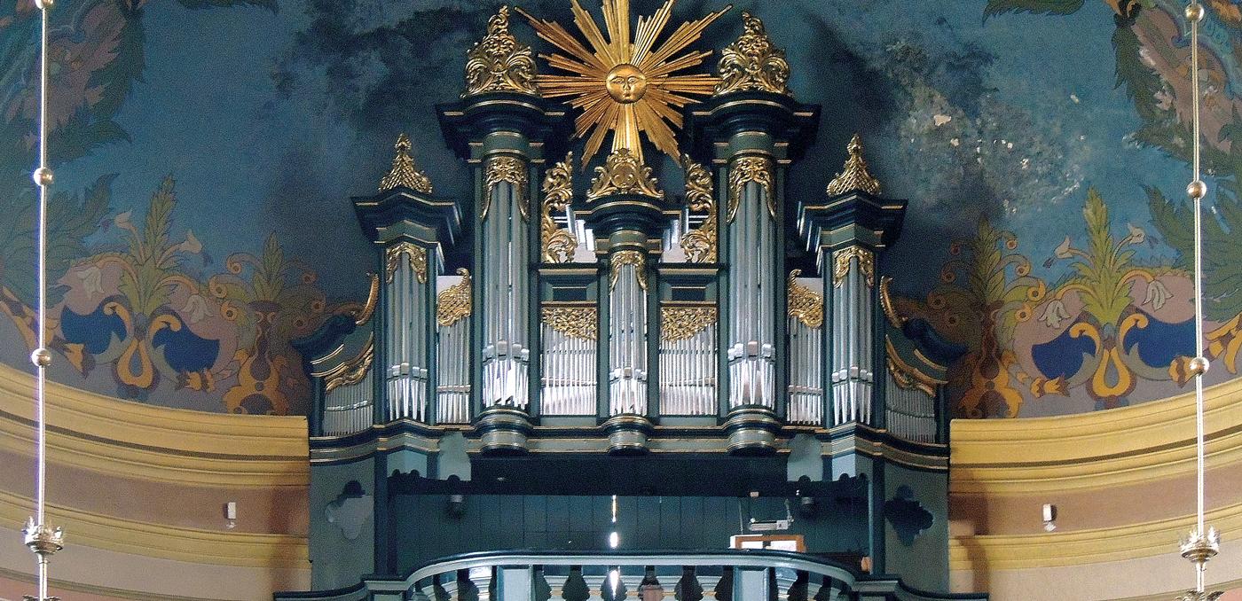 organy w kościele Narodzenia NMP w Inwałdzie